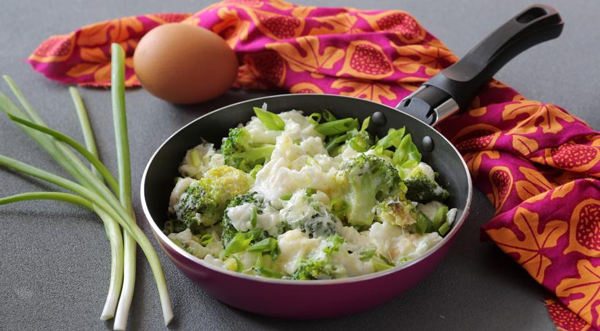 Белковый омлет с сыром и брокколи, пошаговый рецепт с фото