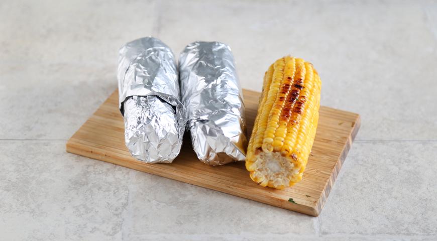 Суп з кукурудзи на грилі і запеченого картоплі