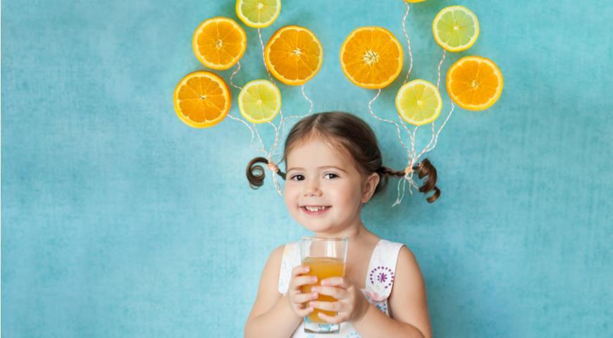 Девочка и натуральный сок