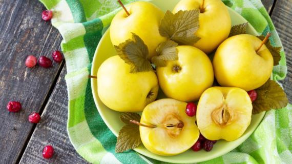 Как мочить яблоки . Моченые яблоки на зиму, в банках, в ведре, в бочке. Моченые яблоки антоновка, белый налив