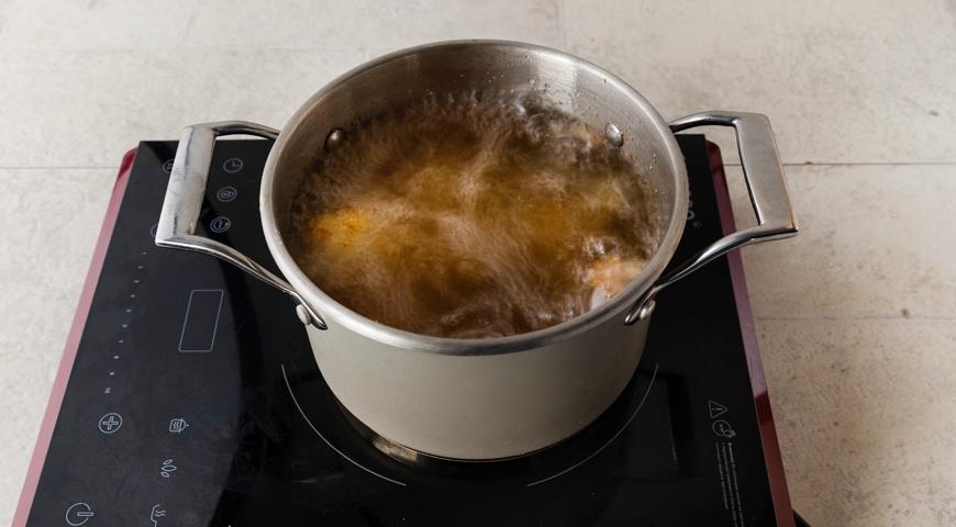 Фото приготовления рецепта: Хрустящие аранчини с соусом бешамель, шаг №9