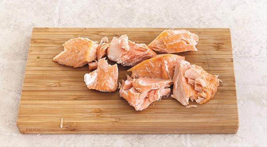 Салат из булгура с рыбой. Шаг 3