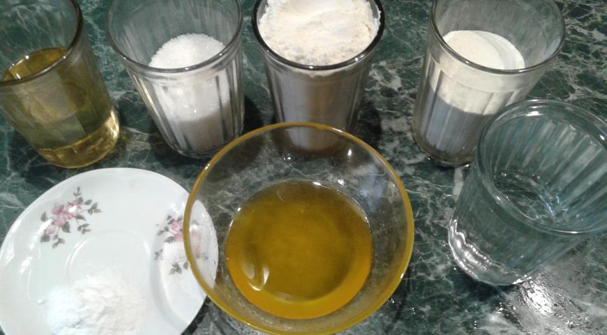 Необходимые ингредиенты для приготовления медовых кексов