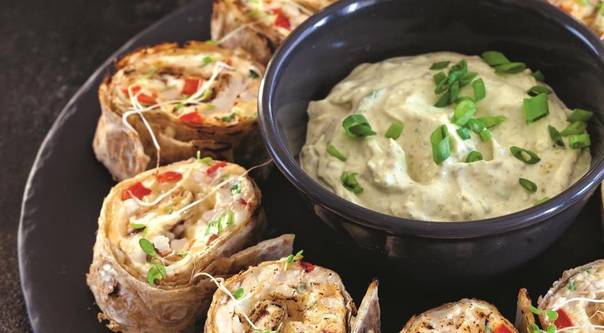 Роллы из лаваша с сыром и курицей 2