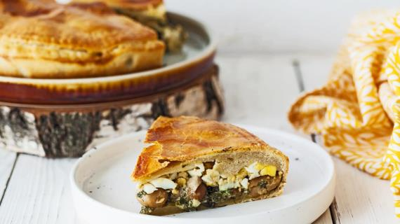 Пирог с лесными грибами по рецепту Елены Молоховец