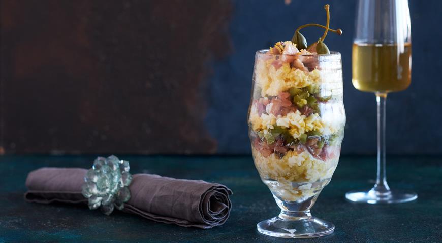 «Шубка» из копченой и малосольной скумбрии, пошаговый рецепт с фото
