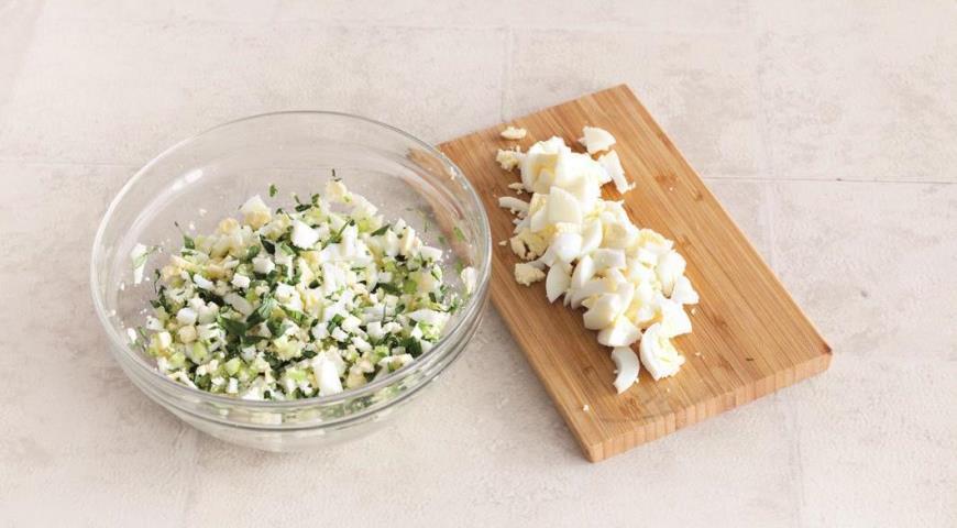 Яєчний салат, самий швидкий і смачний на світі