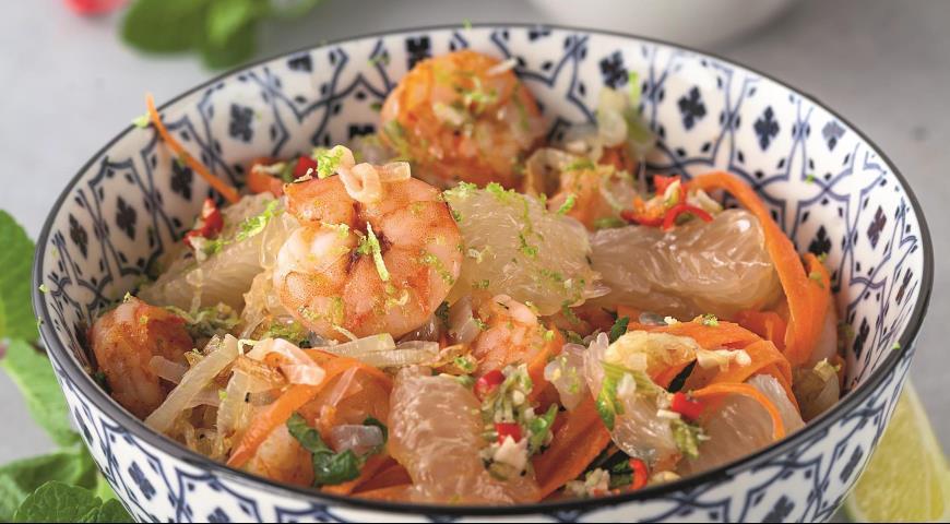 В'єтнамський салат з креветками, помело і смаженою шалотом
