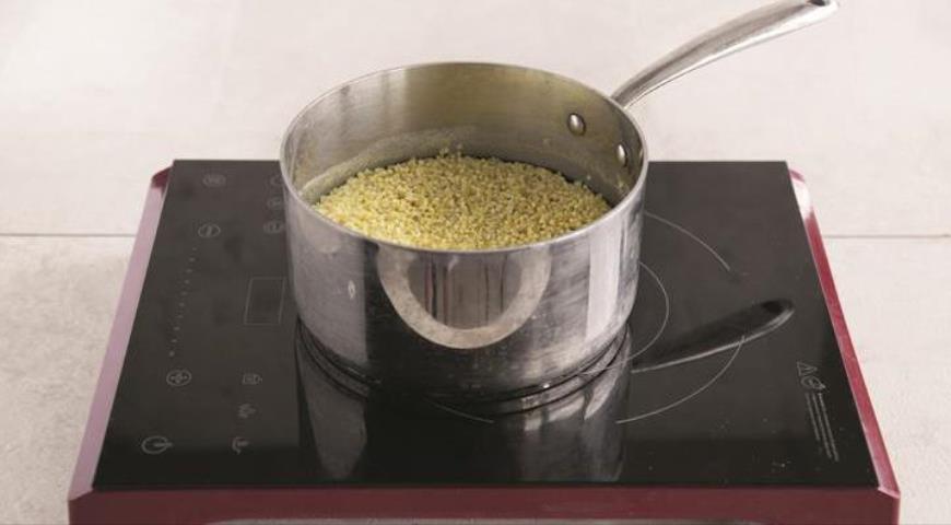 Фото приготовления рецепта: Русский крупеник из пшена с творогом, шаг №1