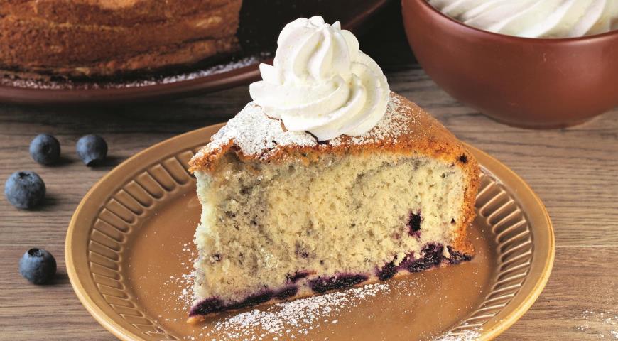 Бисквитный пирог с черникой 2