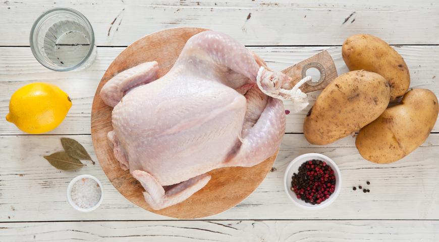 Подготовка курицы и картошки для запекания