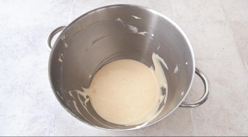 Фото приготовления рецепта: Черничный тирамису, шаг №2