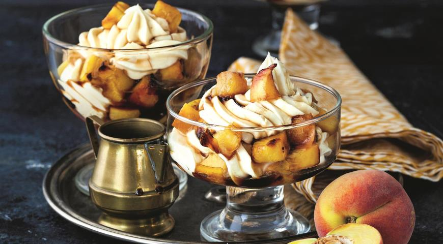 Персики-гриль с кремом
