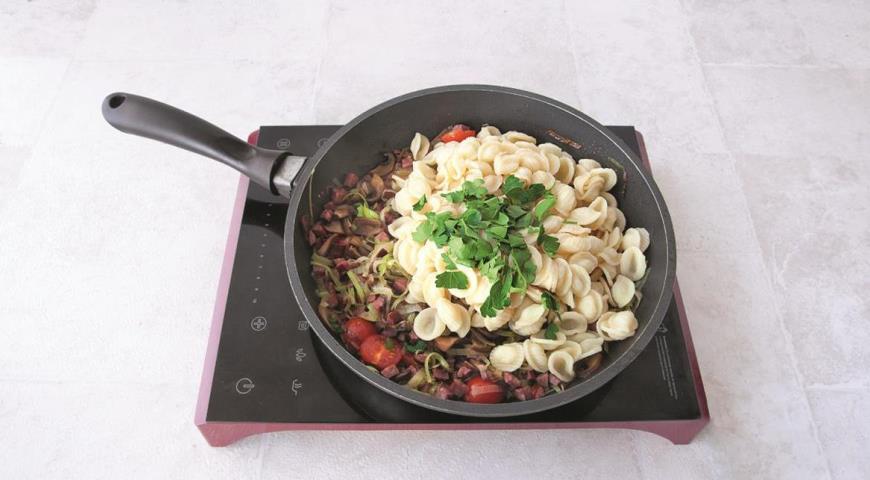 Оркьетти с колбасками и овощами. Шаг 6