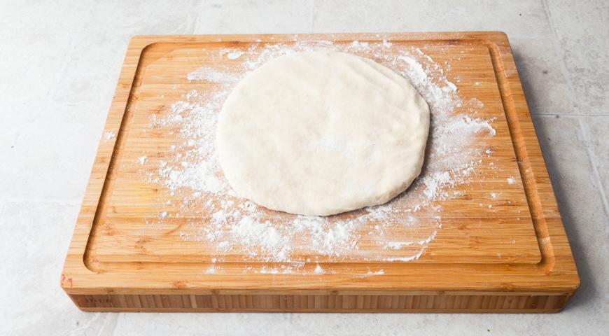 Осетинский пирог со свекольной ботвой и сыром. Готовим тесто для приготовления осетинского пирога