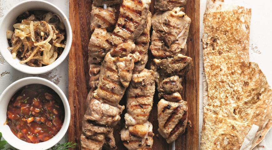 Классический шашлык из свинины с луком, пошаговый рецепт с фото