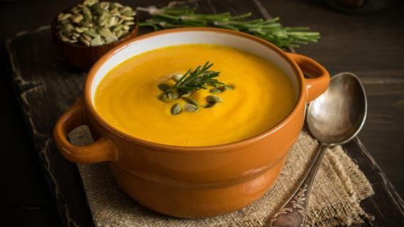 Тыквенный суп с имбирем и кокосовым молоком