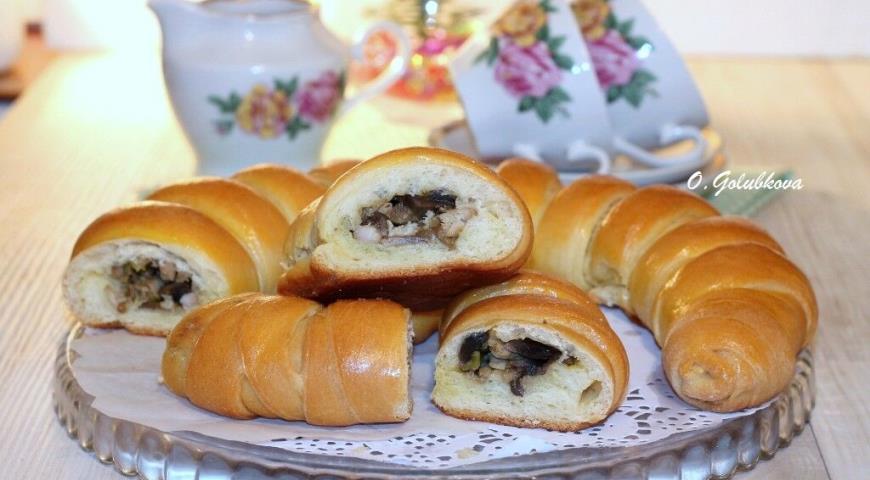 Новогодний пирог с грибами и курицей, пошаговый рецепт с фото