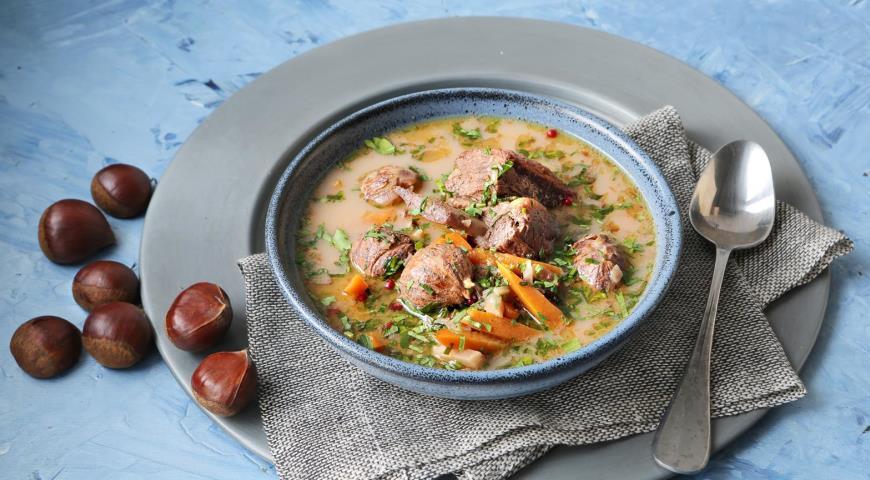 Суп из телятины с каштанами
