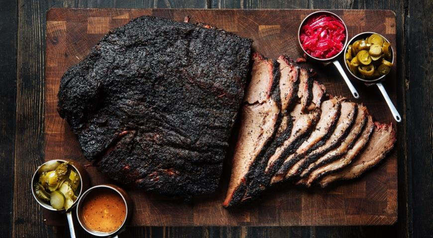 В Москве открылся мясной ресторан Smoke BBQ