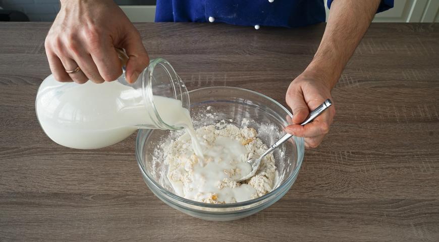 Классические блины на молоке, добавьте молоко