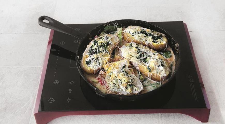 Фаршированный картофель в сливочном соусе с вялеными помидорами. Шаг 6