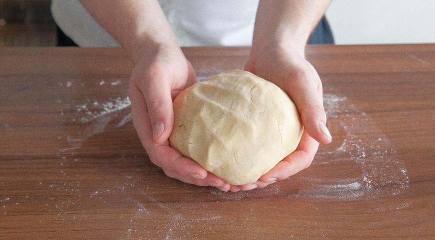 Быстрый пирог с вареньем, приготовьте тесто