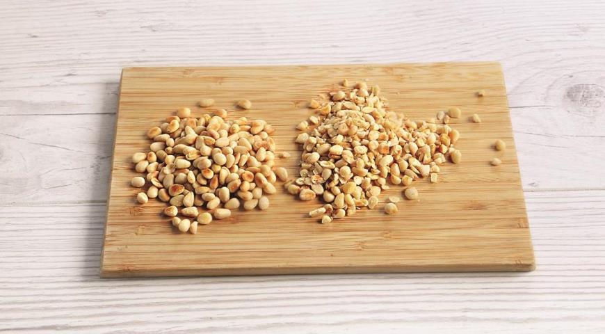 Фото приготовления рецепта: Кальмары, фаршированные рисом в духовке, шаг №5