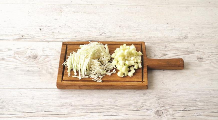 Жареная капуста с беконом и яблоками, пошаговый рецепт с фото
