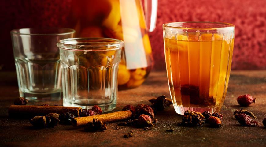 6 полезных и вкусных напитков из сухофруктов, которые укрепят иммунитет