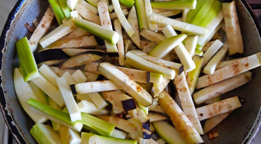 Фото приготовления рецепта: Овощи по-ближневосточному за 30 минут, шаг №4