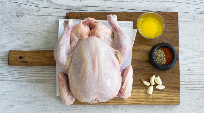 Курица, запеченная в рукаве, вымойте курицу
