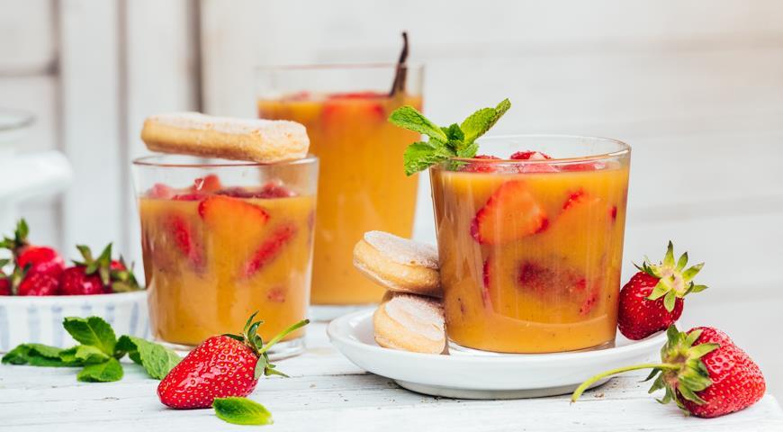 Клубника в апельсиновом соке с ванилью, пошаговый рецепт с фото
