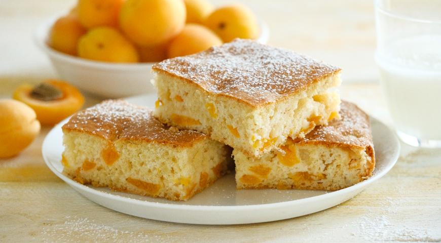 Пирог с абрикосами на кефире, пошаговый рецепт с фото