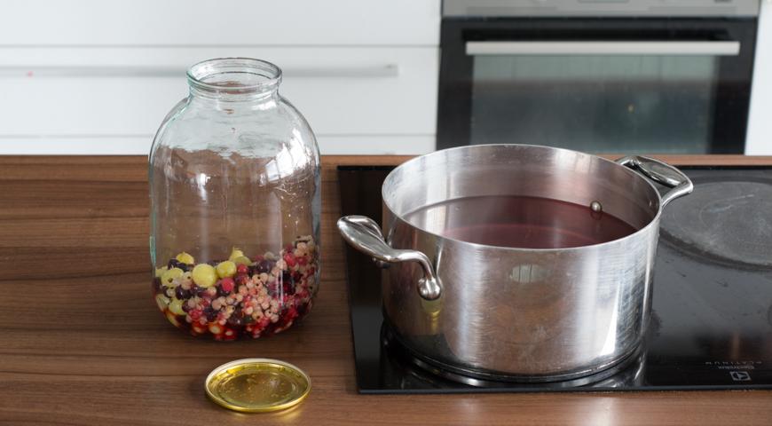Компот из крыжовника и смородины, пошаговый рецепт с фото