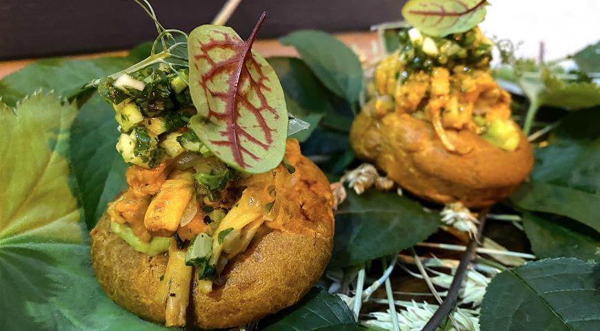 4 необычных блюда с коноплей от шефа