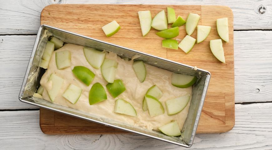 Простая шарлотка с яблоками, пошаговый рецепт с фото