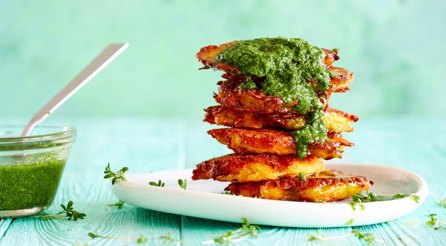 Тыквенные оладьи с соусом из зелени, пошаговый рецепт с фото