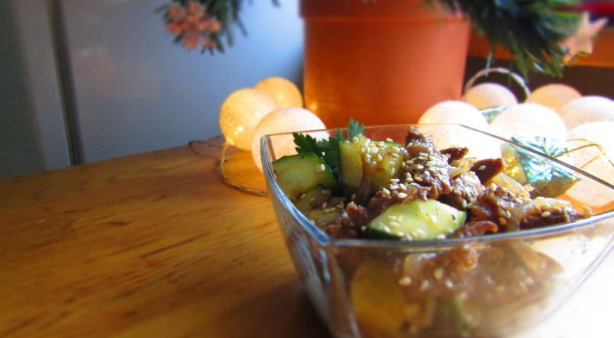 Салат из говядины с огурцом и соевым соусом, пошаговый рецепт с фото