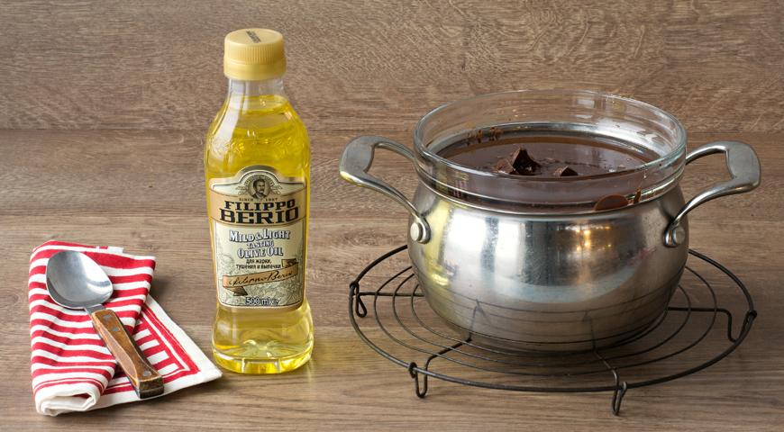 Шоколадно-медовый пирог с вишней, пошаговый рецепт с фото