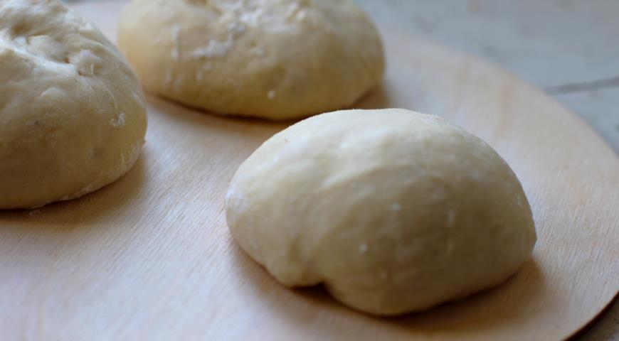 Мини-курники дрожжевые с курицей, картофелем и луком, пошаговый рецепт с фото