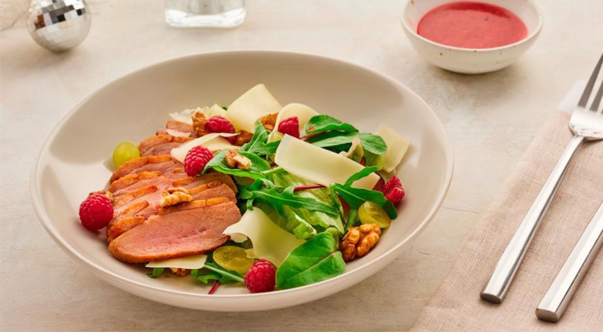 Салат с сыром и уткой, пошаговый рецепт с фото