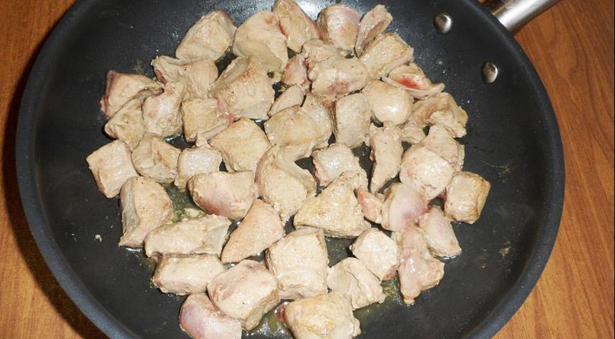 Перепела в беконе, фаршированные куриной печенью с коньячными яблоками , пошаговый рецепт с фото