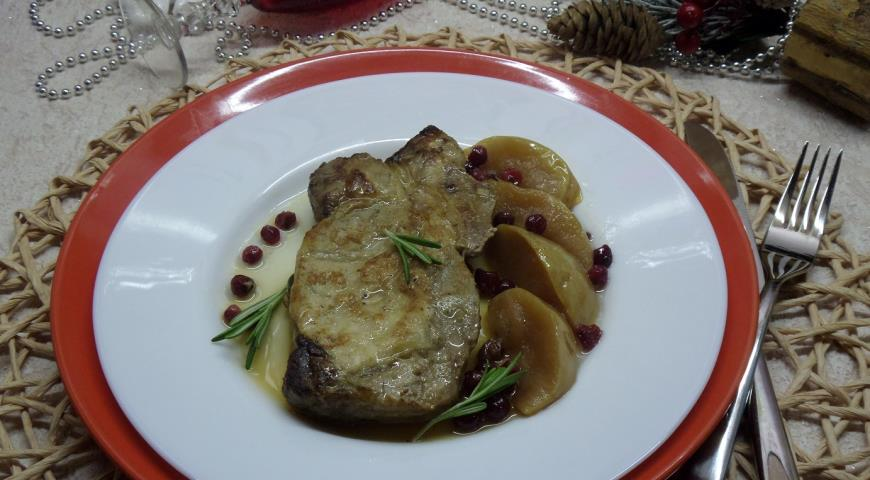 Свинина, запеченная  с яблоком, клюквой и розмарином , пошаговый рецепт с фото