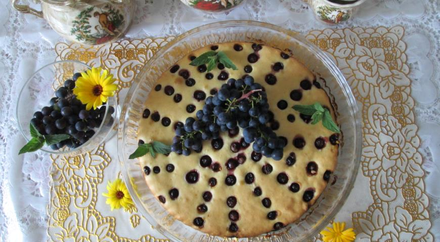 Нежный пирог с домашним виноградом , пошаговый рецепт с фото