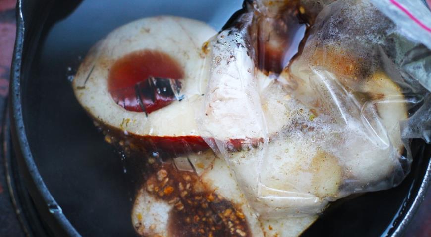 Свиное филе с пикантными грушами, пошаговый рецепт с фото