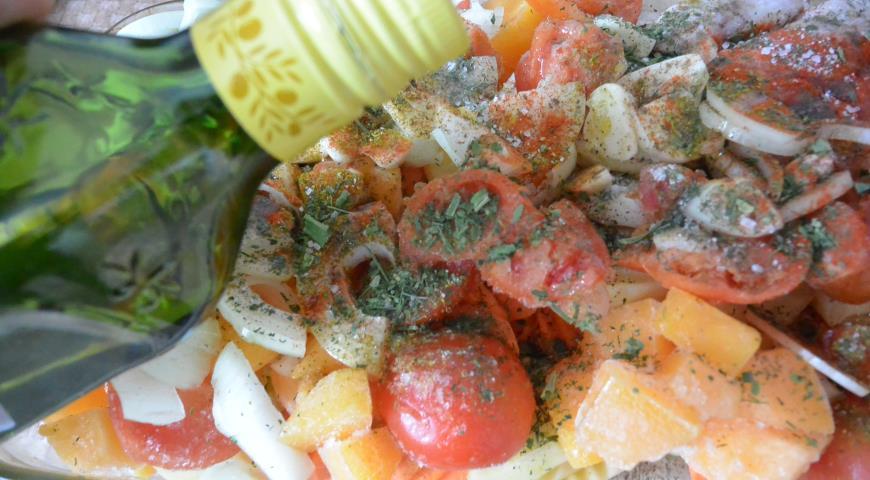 Овощное ассорти с грибами и куриными крылышками, пошаговый рецепт с фото