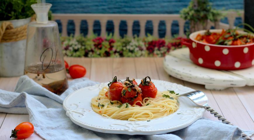 Черри, фаршированные тунцом и пармезаном, пошаговый рецепт с фото
