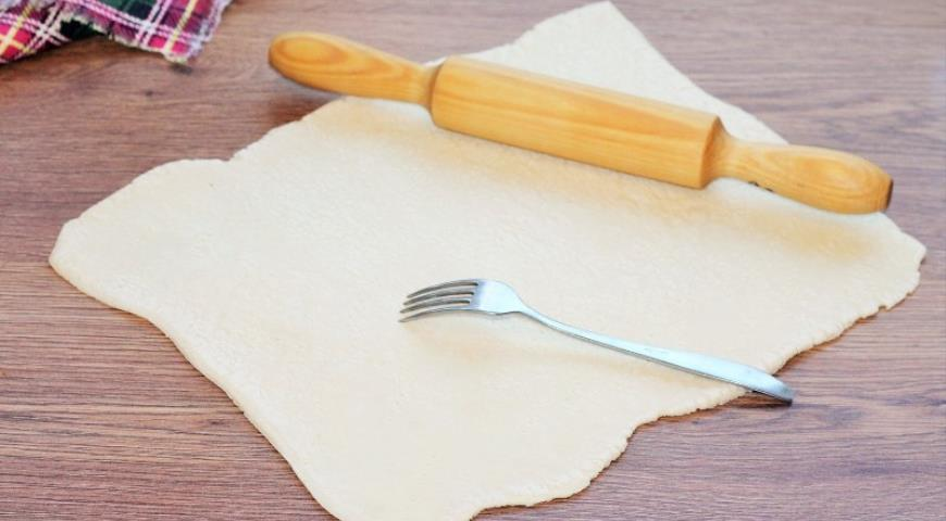 Фото приготовления рецепта: Свинина с грибами в хрустящей корочке, шаг №7