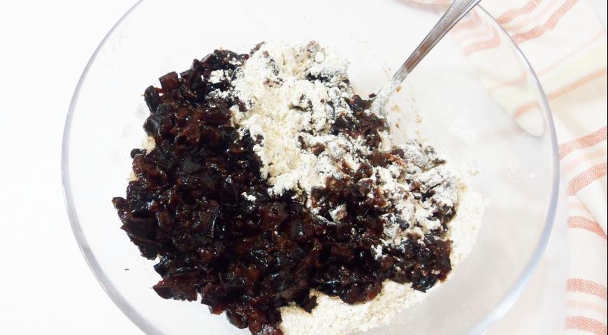 Кекс с портвейном и черносливом, пошаговый рецепт с фото